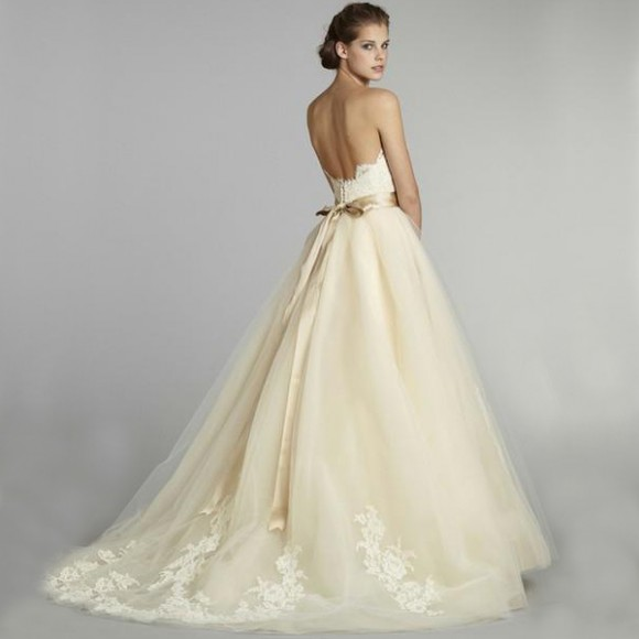 perfect wedding gowns: Choosing The Perfect Wedding Gown
