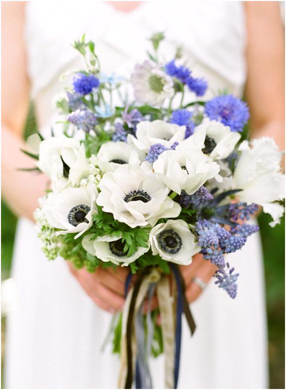 wedding theme white flowers