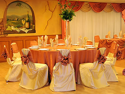 European Chalet Banquets - cozy dining room