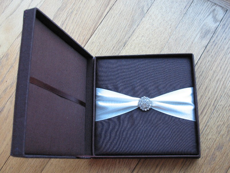 Silk Wedding Invitation Boxes – An Ultimate Luxury | Cardinal Bridal