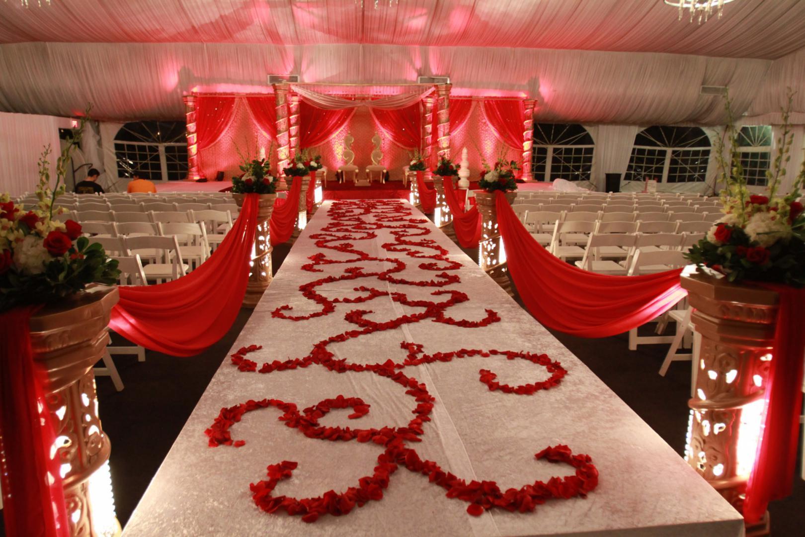 Awesome Wedding Flower Display Ideas | Cardinal Bridal