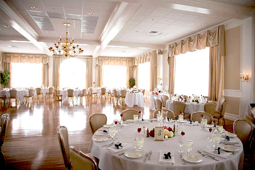 Choose new hampshire as your wedding destination for its ballroom wedding junglespirit Choice Image