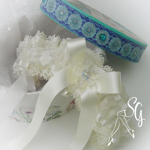 SG Nottingham lace layers garter