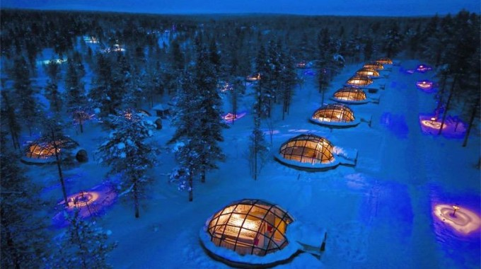 Glass igloos by Travel Bee