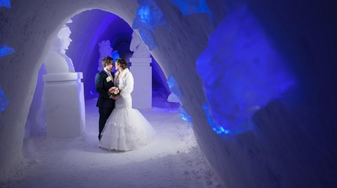 glass igloo and ice room in Lainio Snow Village