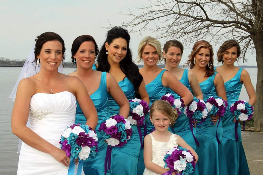 wedding flowers, bride and bridesmaids Angel Isabella