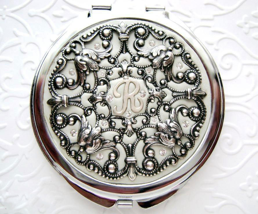 Crystal Filigree White compact