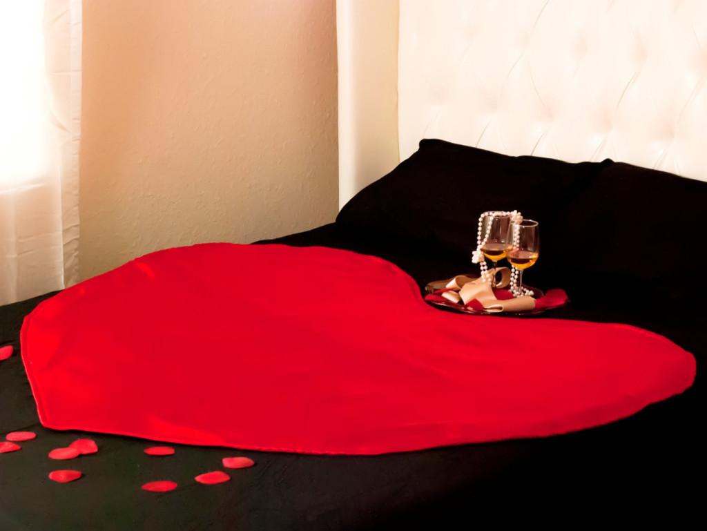 Intimate Hearts mattress protector